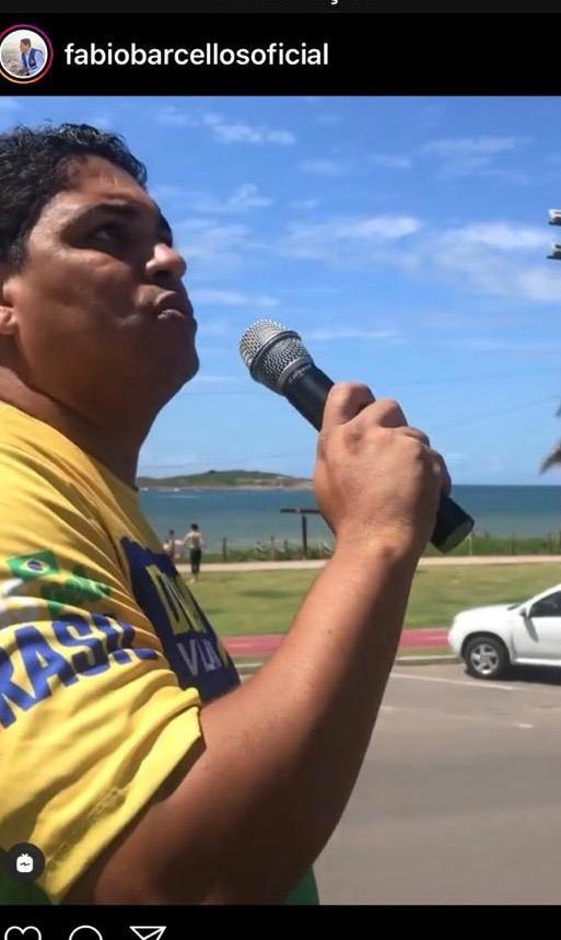 Fábio no caminhão na orla de Vila Velha em protesto no último sábado contra o isolamento social