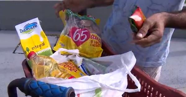Família que passava fome por não ter renda na quarentena recebe doações