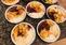 Cardápio dessa sexta-feira (3): carne de porco, feijão com linguiça, arroz, farofa de cebola tostada e salada de legumes. Crédito: Acervo pessoal