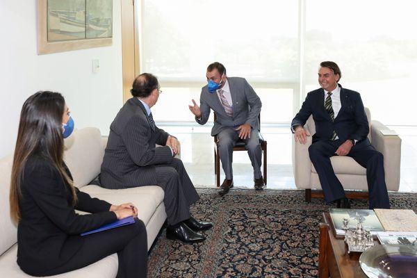 Apresentação da carta credencial do Embaixador da República de Honduras, Jorge Alberto Mila Reyes ao Senhor Presidente da República, Jair Bolsonaro