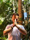 O psicólogo Márcio Merçoni dá aulas de meditação on-line