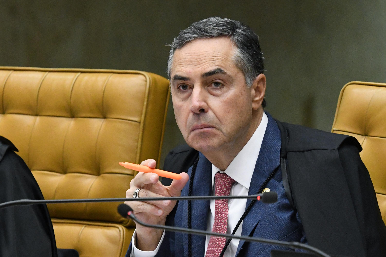 """Assustador"""", diz Barroso sobre manifestações pela volta do regime ..."""