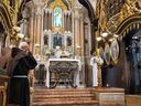 Padre Anderson Teixeira conclamou os fiéis a não se deixarem abater pelas dificuldades do momento.