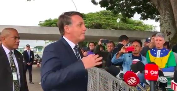 Jair Bolsonaro após ato pró-golpe militar