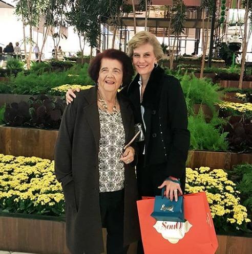 Jackeline Teubner Guasti e a mãe Lesy Gama Teubner