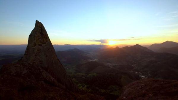 Pedra dos Três Pontões, em Afonso Cláudio, Região Serrana do Estado