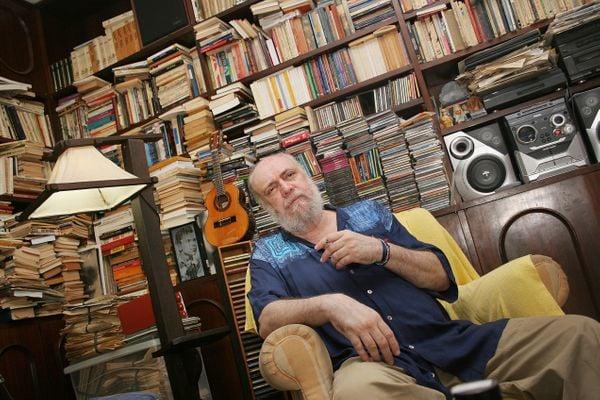 Ouça 15 músicas de sucesso de Aldir Blanc | A Gazeta