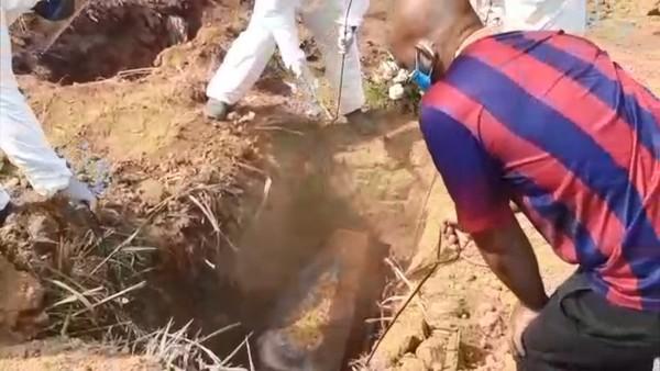 Coveiro se recusa a fazer sepultamento de vítima da Covid-19 em Cariacica