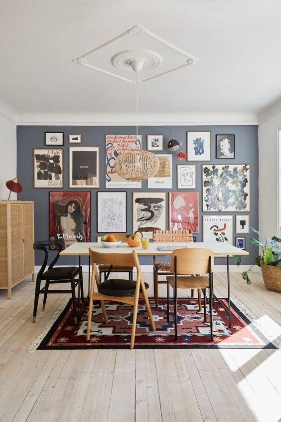 Montar uma parede com quadros é uma dica para dar um novo visual ao ambiente