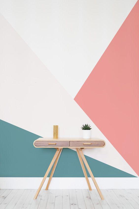 Pinturas em meia parede ou geométricas estão em alta e dão um toque moderno