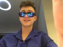 Oliveira, de 14 anos, produz, apresenta e cria as provas do