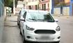 Carros estacionados em local proibido em Cachoeiro de Itapemirim, no Sul do Estado