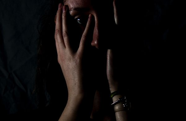Violência contra a mulher não é só a que deixa marcas no corpo | A Gazeta