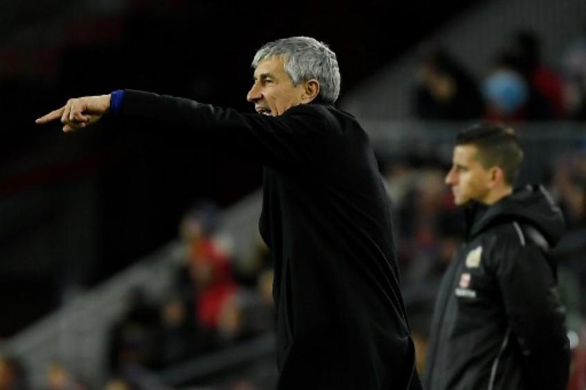 Crédito: Setién também crê que a volta do futebol na Espanha no dia 11/6 dá pouco tempo para os treinos (LLUIS GENE / AFP