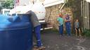 De acordo com os moradores do Marielle Franco III, a Prefeitura de Vitória disponibilizou duas caixas de água no local. Crédito: Elias Toledo