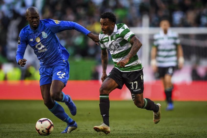 Crédito: Wendel, meia do Sporting (de verde, não se recupera das dores no joelho e não enfrentará o Guimarães (AFP)