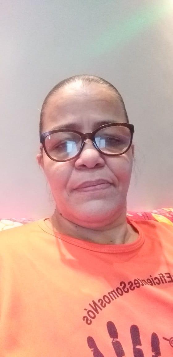 """Lúcia Mara dos Santos Martins, coordenadora do coletivo """"Mães eficientes somos nós"""""""
