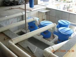 Conjunto de filtros limpa água da chuva captada do telhado da instituição e dos vizinhos