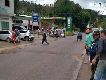 Troca de tiros entre agente penitenciário e policial militar deixou um ferido em Domingos Martins nesta terça-feira (16)
