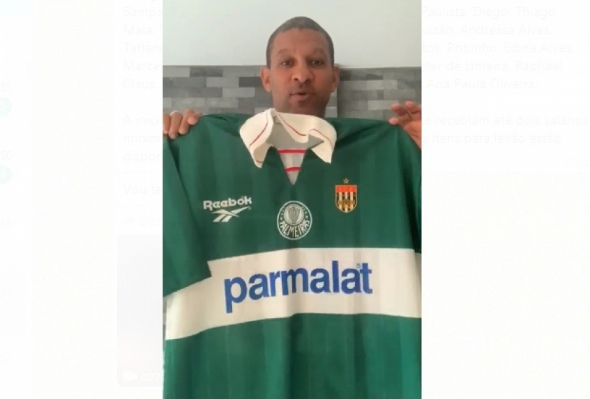 Crédito: Ex-meia Djalminha doa camiseta rara que utilizou pelo Palmeiras no Campeonato Paulista de 1996 (Divulgação/FPF
