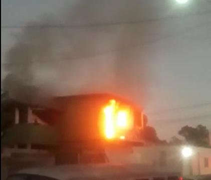 Incêndio atingiu uma casa na Serra nesta quinta-feira (9)
