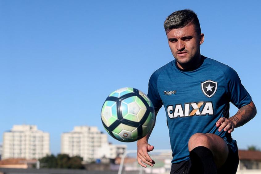 Crédito: Victor Luis está próximo de retornar ao Botafogo - Vítor Silva/SSPress/Botafogo