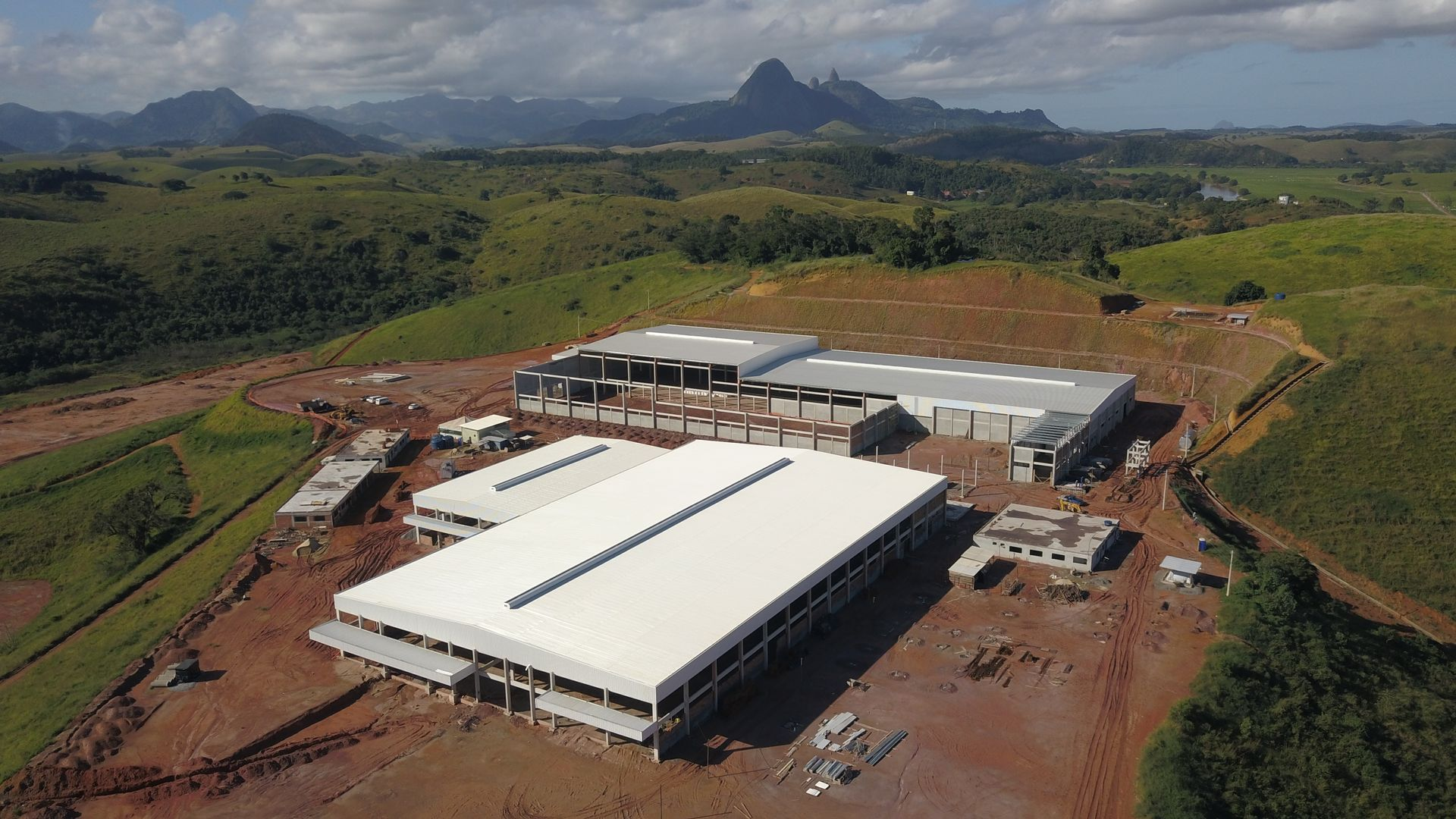 Nova indústria da Selita em construção