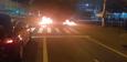Os manifestantes atearam fogo em pneus no KM 2,3 da BR 262, em frente a um supermercado