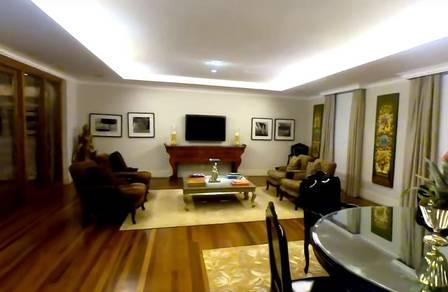 Imagem mostra interior da mansão de Hebe Camargo, eterna estrela da TV Brasileira, em São Paulo;