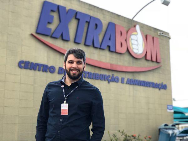 Yuri Correa, gerente de marketing da rede Extrabom