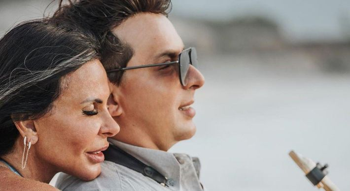 Gretchen lança música romântica e clipe com noivo e filho | A Gazeta