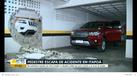 Com a colisão, um buraco foi aberto na parede da garagem do prédio