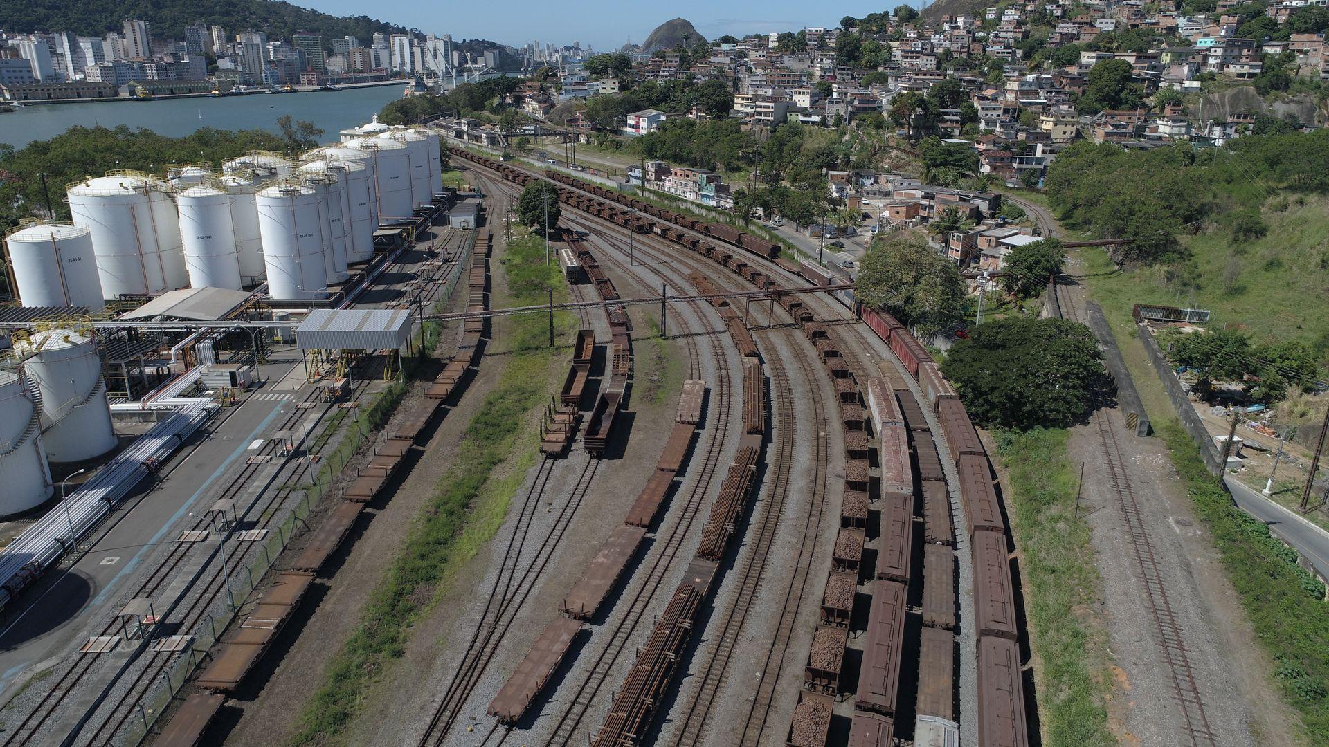 Vagões da Vale estacionados na Estação Ferroviária de Argolas, entre Vila Velha e Cariacica: local será início de nova estrada de ferro até Anchieta