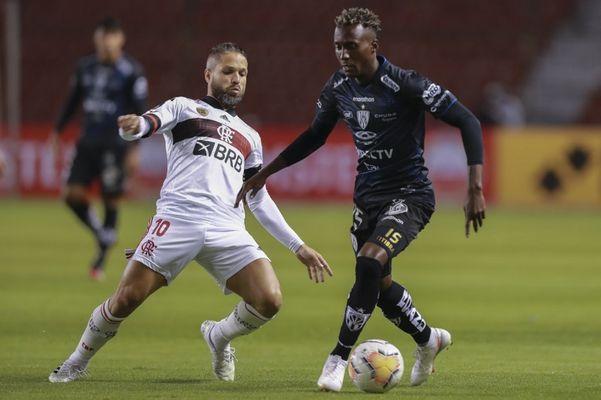 Flamengo não viu a cor da bola e foi presa fácil para o Independiente del Valle. Crédito: Independiente del Valle/Divulgação