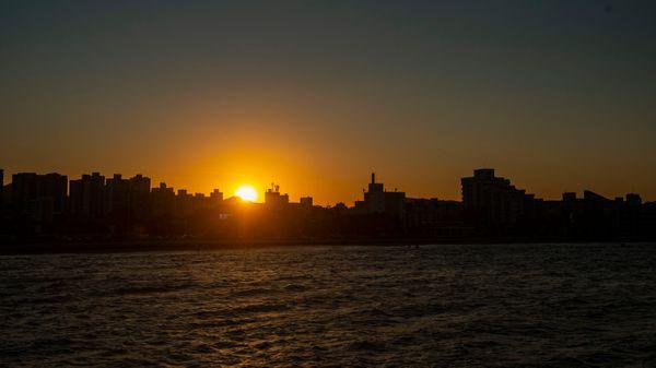 Pôr do sol visto do Píer de Iemanjá. qsp7g9