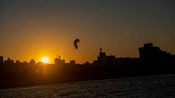 Pôr do sol visto do Píer de Iemanjá. swfi9