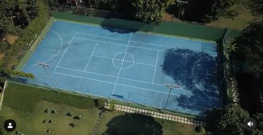 Imagem aérea mostra mansão de 1,2 mil metros quadrados do cantor Rick, dupla de Renner, em área de 6 mil metros quadrados em condomínio de luxo de São Paulo