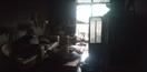 Imagem da destruição causada pelo fogo no apartamento na Praia do Canto
