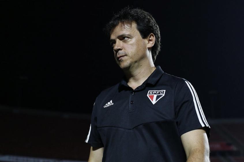Crédito: Diniz acredita que o São Paulo está na briga do título dos três torneios que ainda disputa na temporada (Rubens Chiri/saopaulofc.net