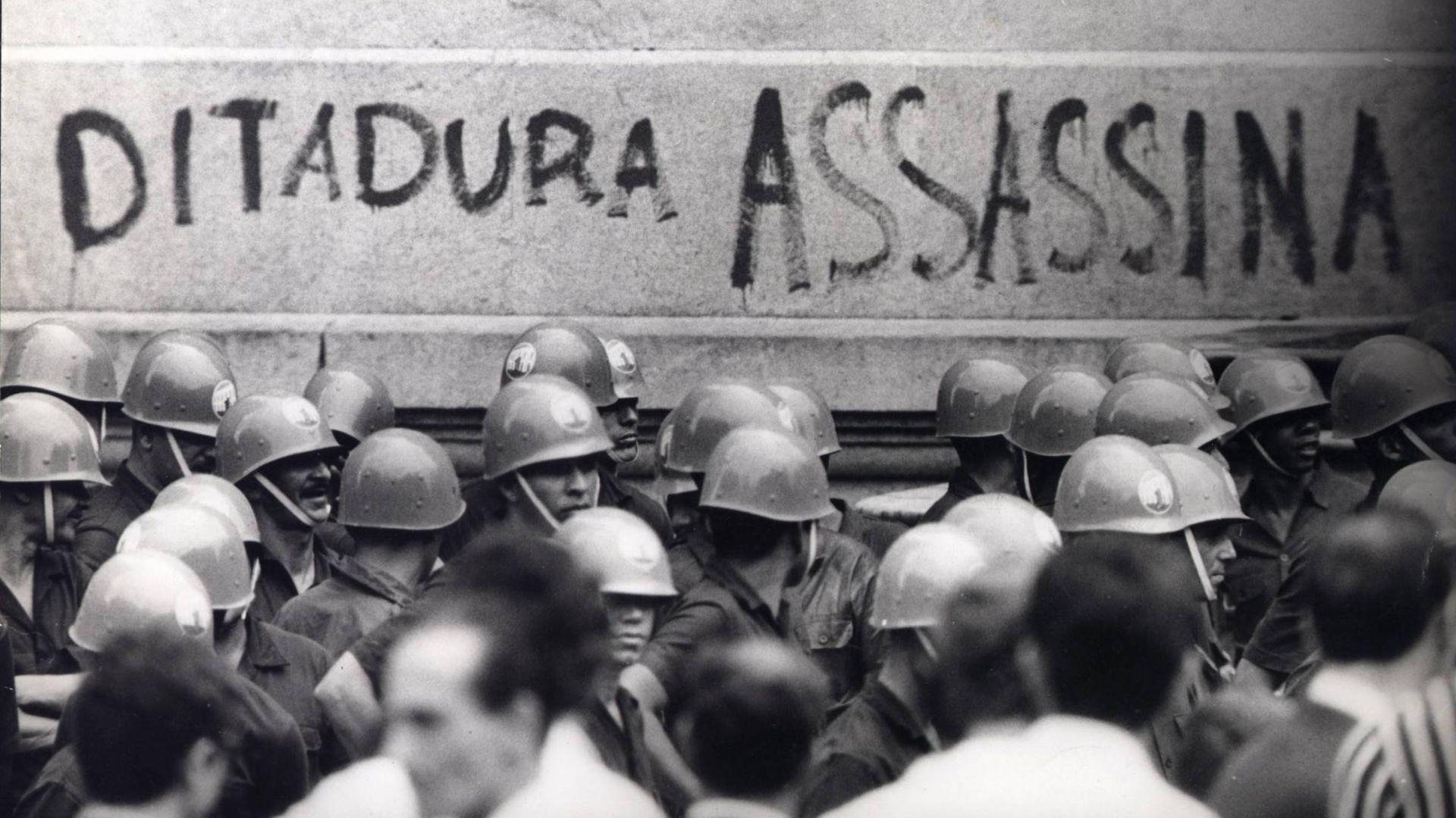 Protesto no Rio de Janeiro em 1968, durante a ditadura militar