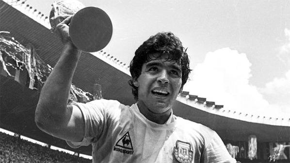 Maradona conduziu a Argentina ao título da Copa do Mundo de 1986