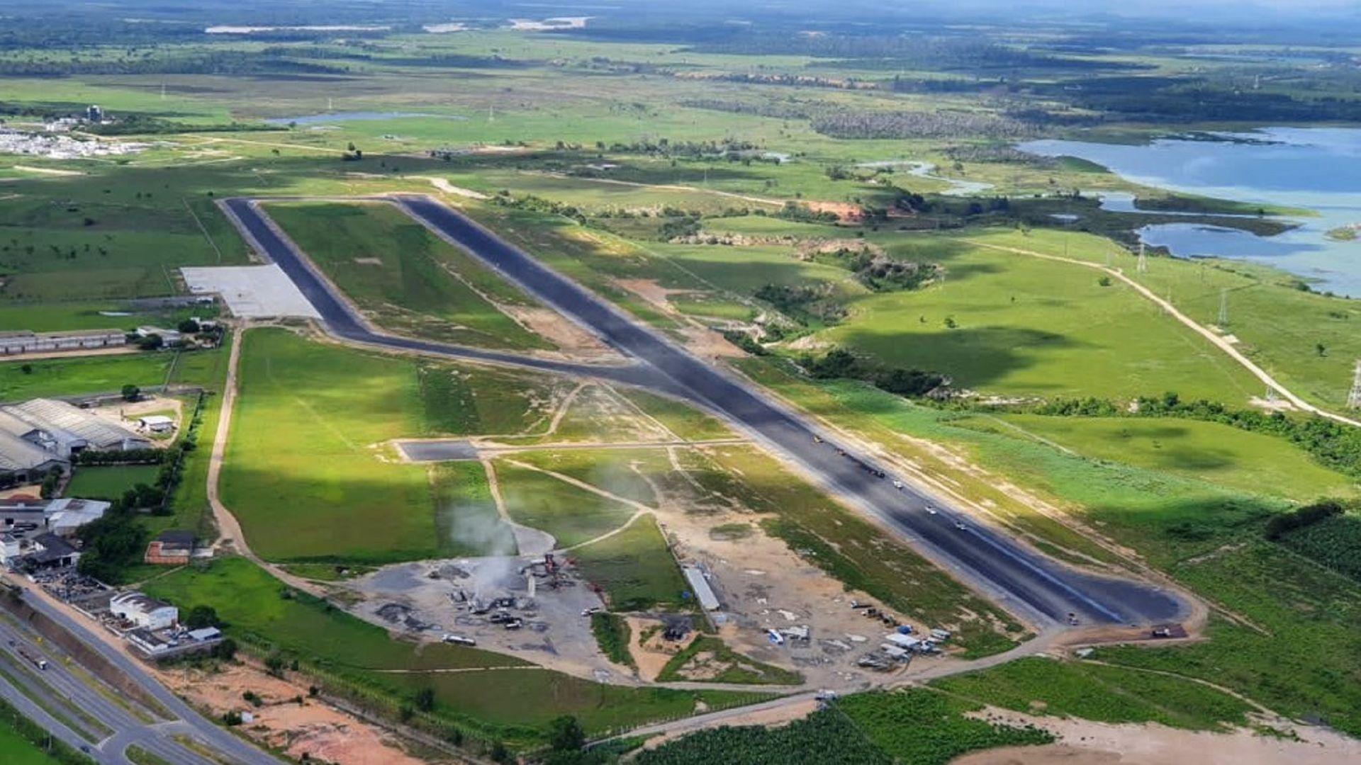 Nova pista do Aeroporto de Linhares está quase pronta