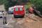 Bombeiros resgataram uma das vítimas do capotamento; outras duas pessoas também ficaram feridas. Crédito: Divulgação | Corpo de Bombeiros