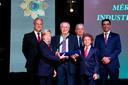 2017 - O empresário Jônice Siqueira Tristão recebendo homenagem da Ordem do Mérito Industrial da Confederação Nacional da Indústria (CNI) pela contribuição de sua empresa no desenvolvimento econômico do ES e do país