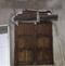 Portas e janelas eram cobertas com ripas de madeira . Crédito: Polícia Civil do ES