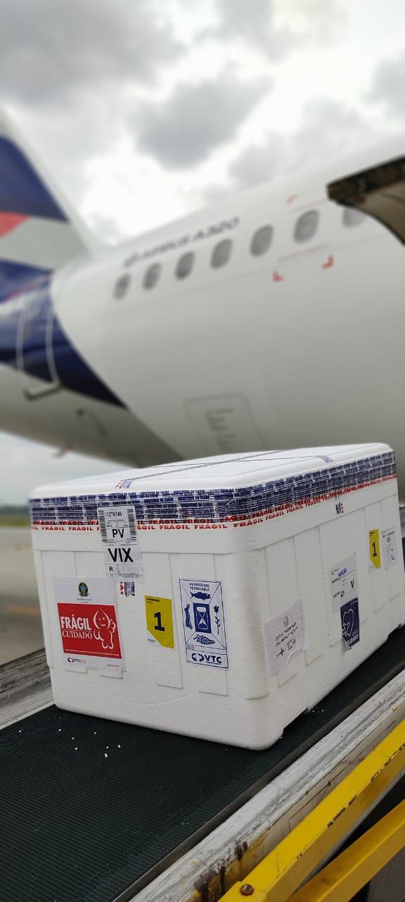 VacinasCoronavacsão enviadas por avião para o Espírito Santo