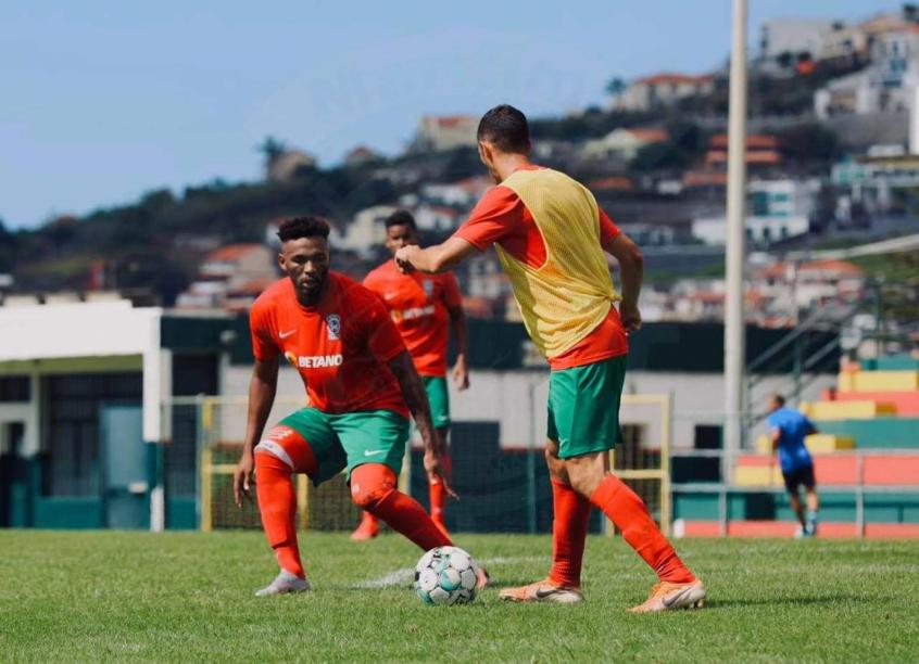 Crédito: Jean Cleber quer chegar em 100 jogos pelo Marítimo (Divulgação/Marítimo