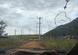 Ônibus de turismo estacionados do lado de fora de Guarapari. Turistas estão entrando na cidade em carros de aplicativo