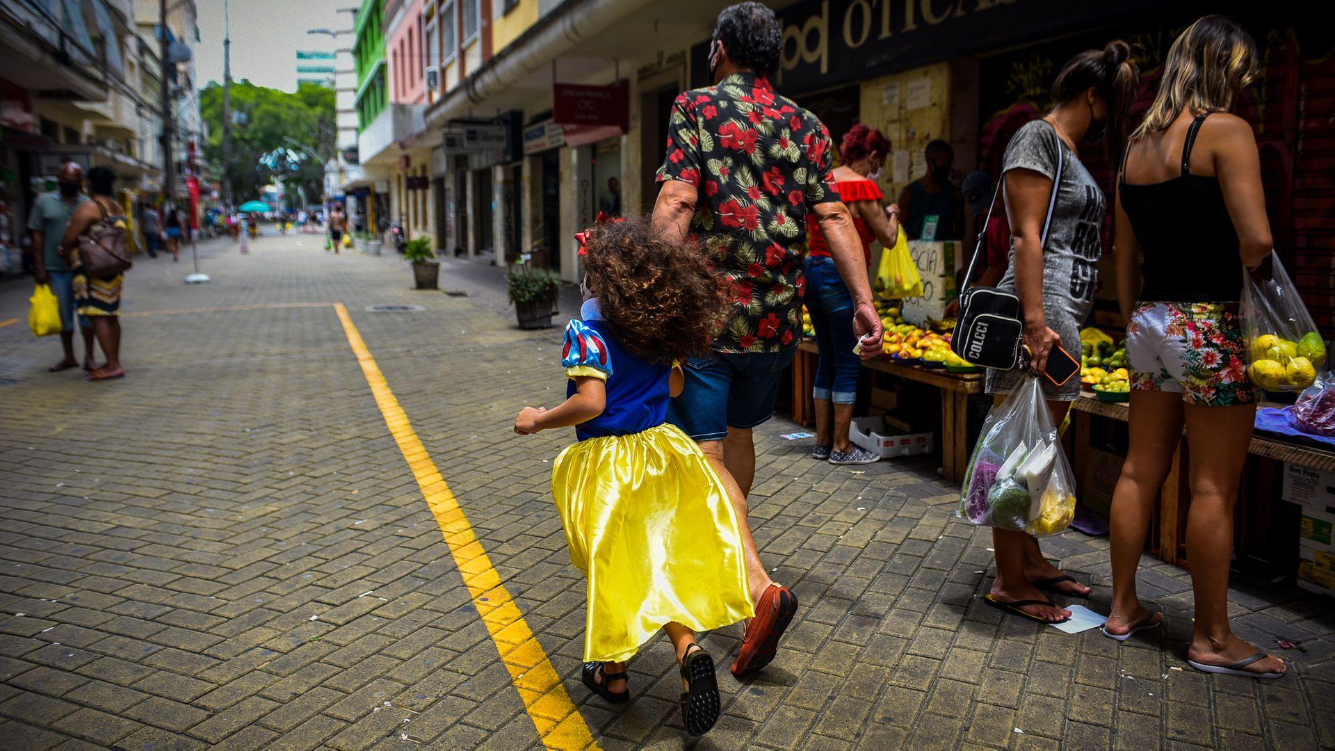 13/02/2021 - Sábado de 'não-carnaval' no Centro de Vitória
