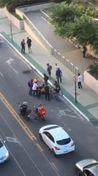 Suspeito de assalto foi agredido por pessoas que passavam pela rua